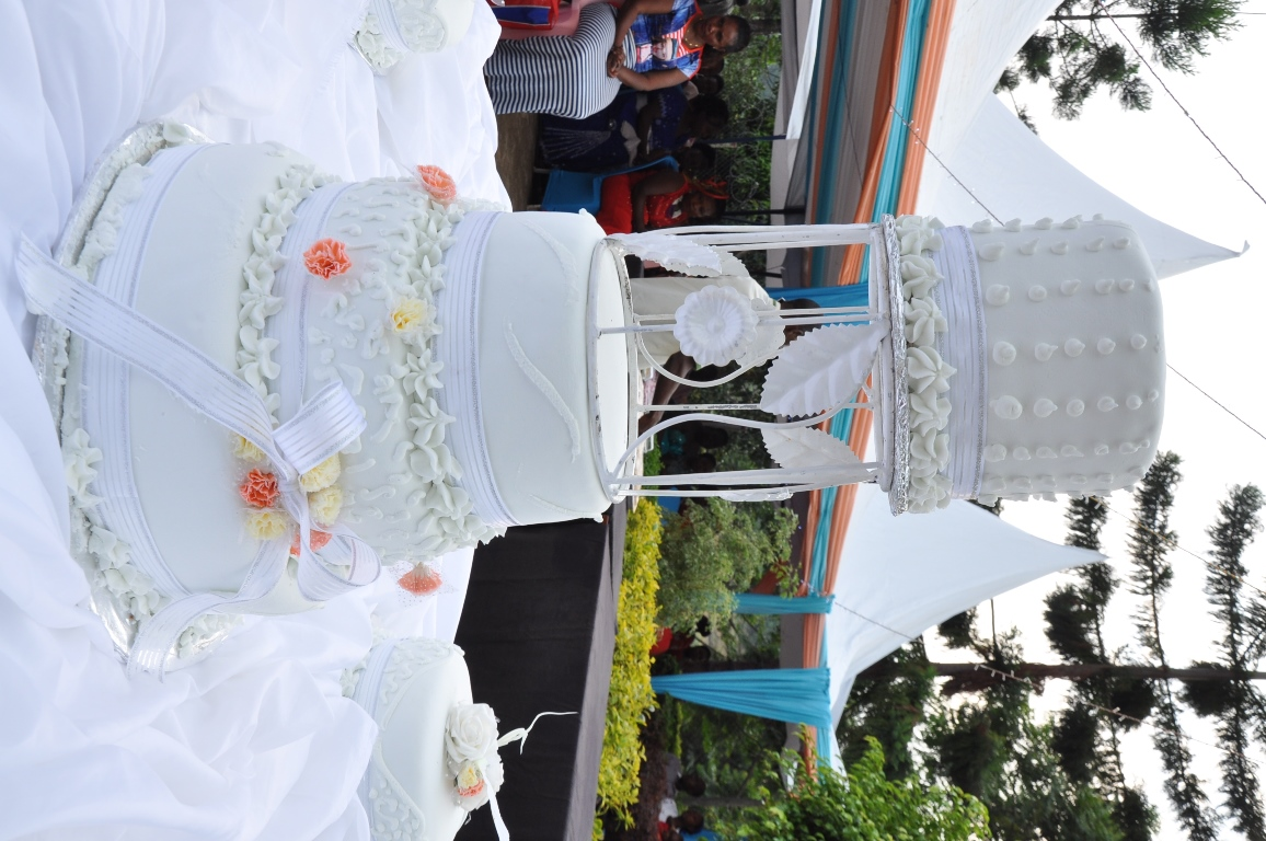 A simple wedding cake from Jari Events & Confectionary