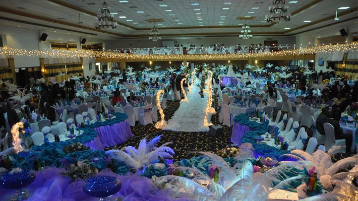 Exhilarating wedding decorations at Hotel Africana in Kampala, Moonlight Wedding Consultancy Solutions