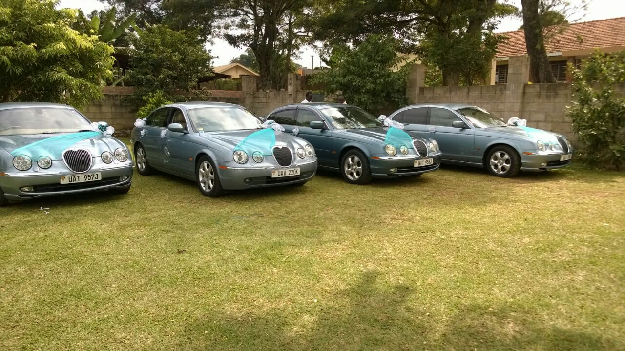 Jaguar bridal cars supplied by Moze Decoration World