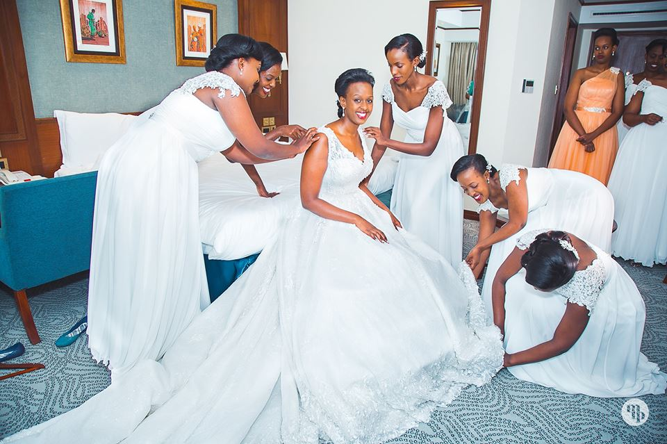 Bride and her entourage at Speke Resort Munyonyo, shots by Moshen Taha Photography