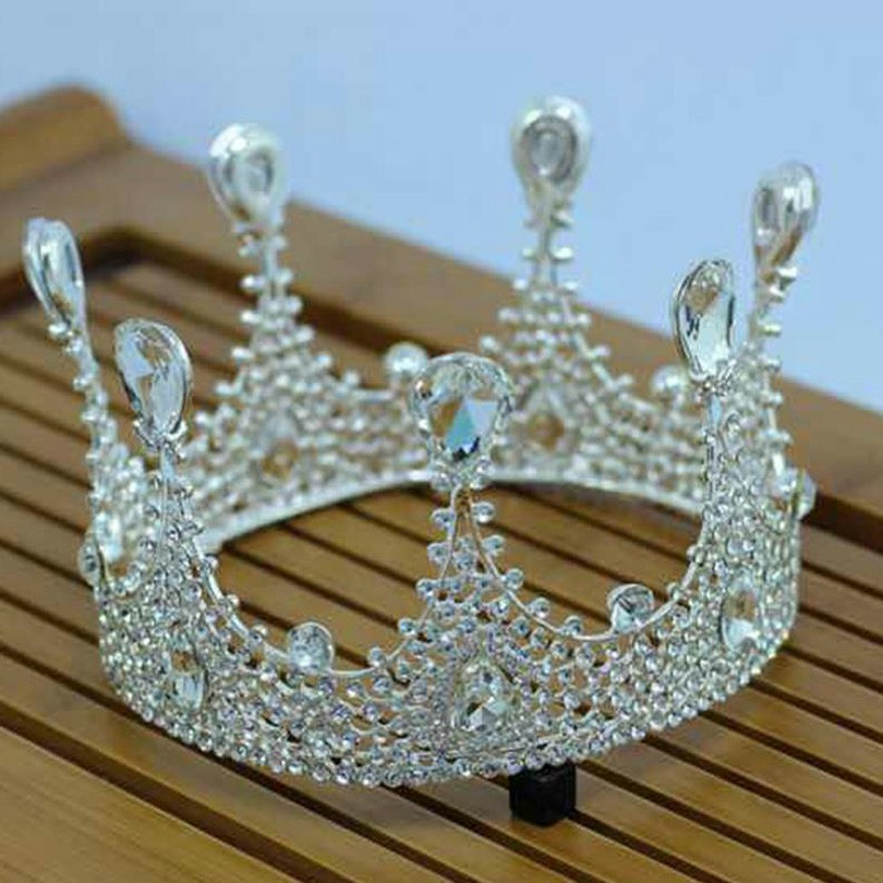 An inspirational bridal crown from Bride to be