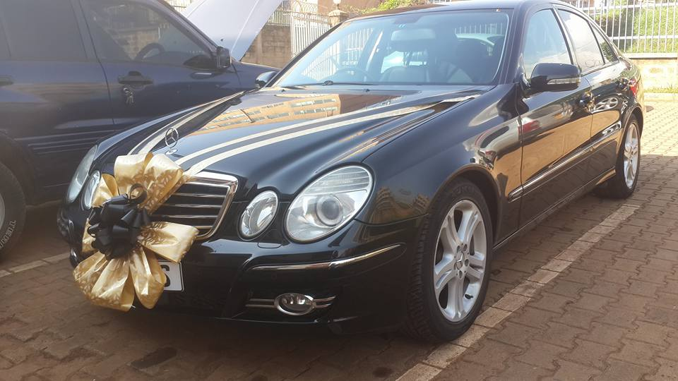 Ride in a Classic Mercedes Benz on your Special Day