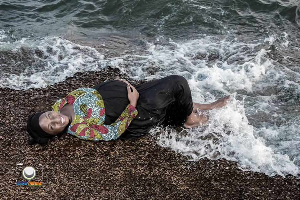 Hamida's pregnancy photo shot with Temo Media