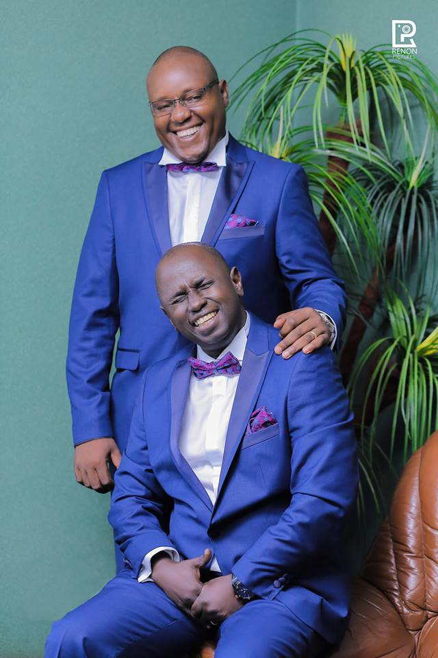 Hannington with his best man clad in blue suits, Renon Pictures