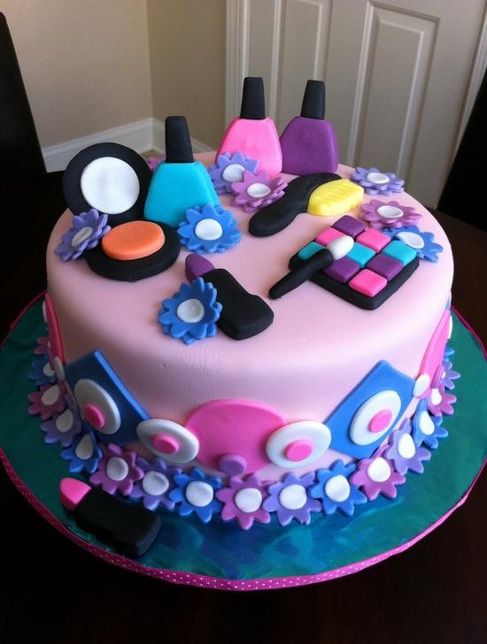 Very nice cake made by Elieonai Cakes