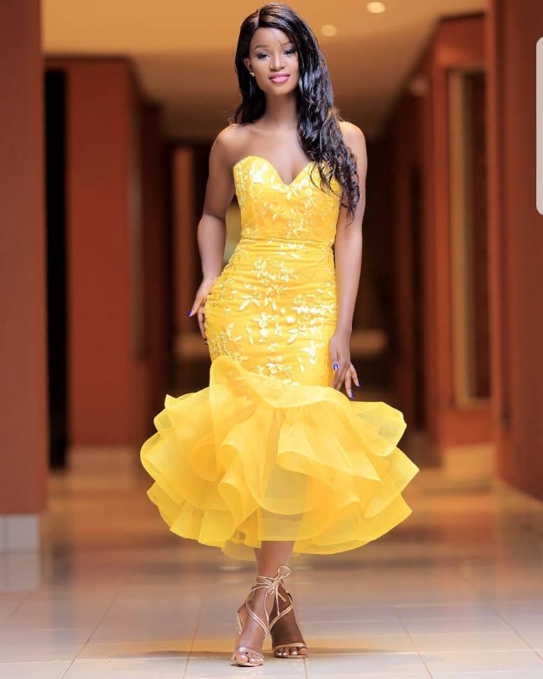 Forever muse, Yellow custom dress