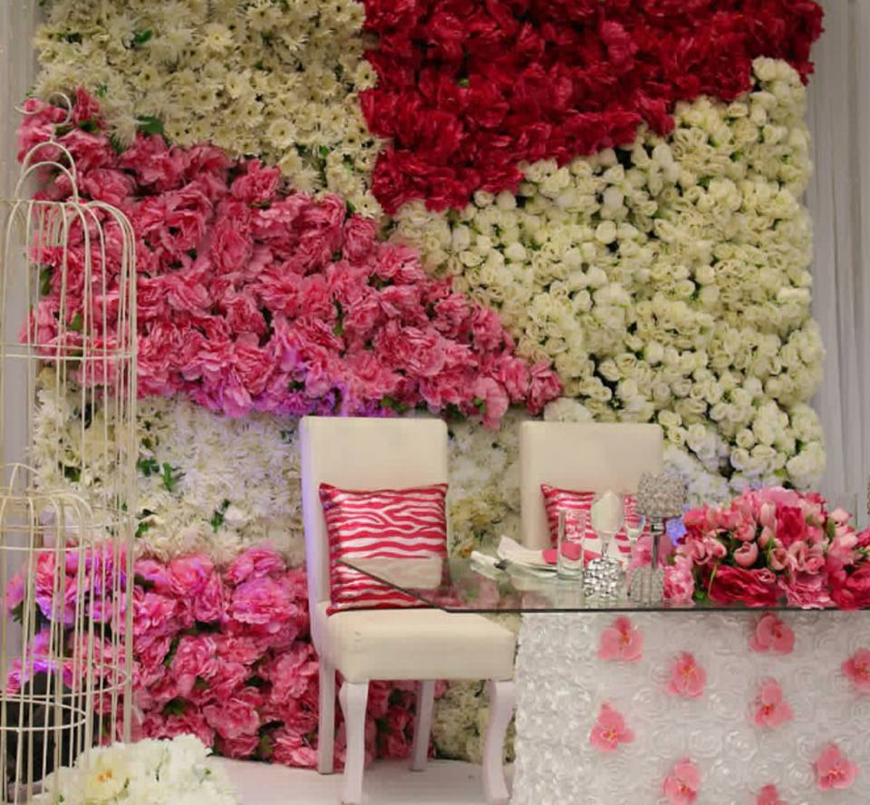 A Red and white flower instense affair by Enrova decorations