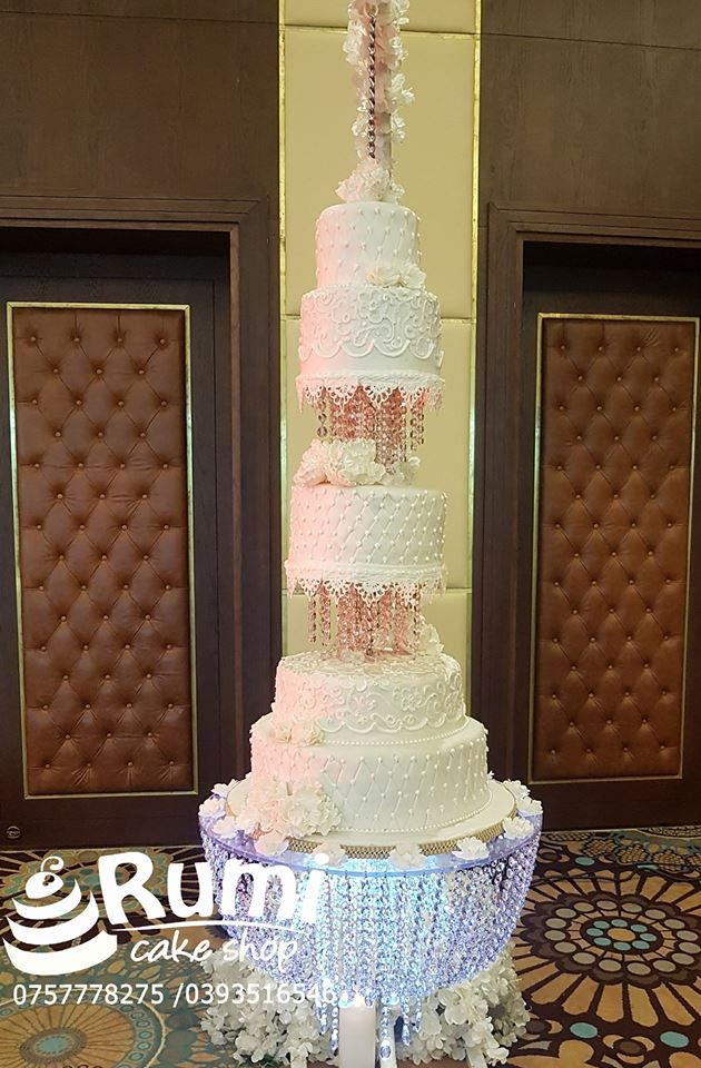 A magnificent wedding cake by Rumi Cake Shop
