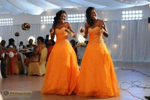 Hot bridesmaids in yellow dresses powered by Photo Artistik