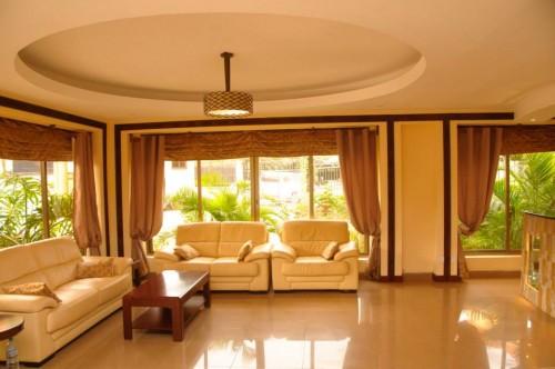 Royal Suites Hotel Reception
