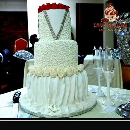 The V-neck inspired cake decoration by Cake Couture 256
