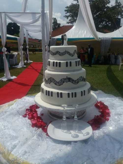 Black and White wedding cake made by Danse Pastries Uganda