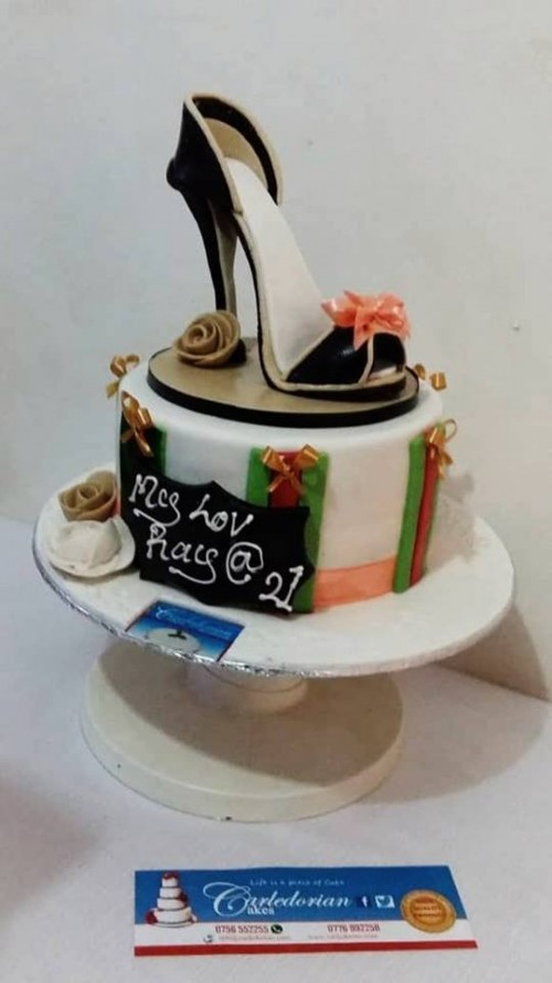 A lovely cake by Carledorian Cakes