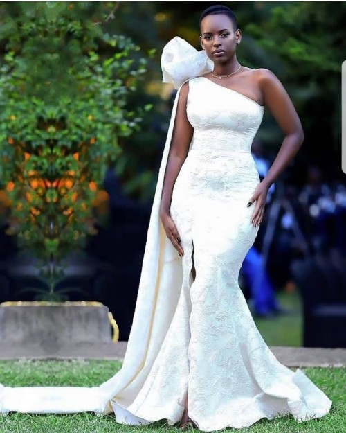 Betinah Tianah's elegant dress, tailored by Fatumah Asha