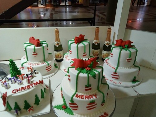 Christmas cakes by Carledorian Cakes