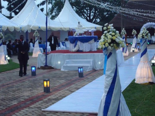 Blue & white wedding decorations at Mawanda Royal Gardens