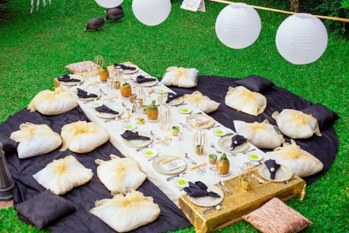 Cathy's Bridal Shower: Gold & black touch