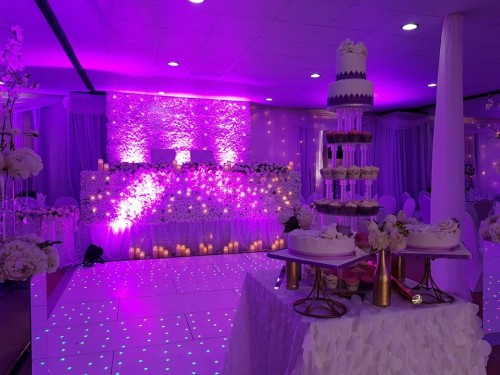 A wedding cake at Rivonia Suites