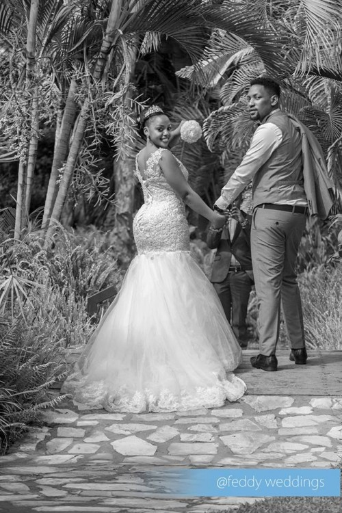 Send them off with a sparkling farewell, bride and groom