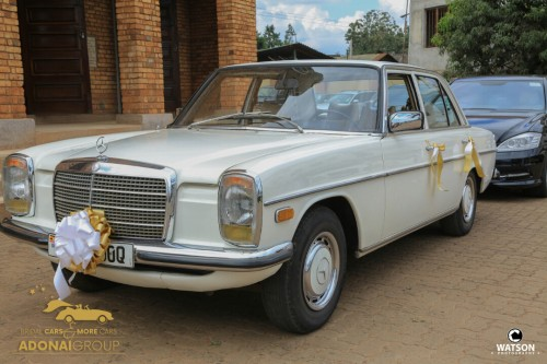 A vintage Mercedes Benz from Adonai Group