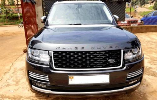 The luxurious Range Rover for a wedding car