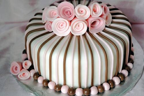 A beautifully decorated cake by Rumi Cake Shop