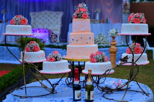 A well set wedding cake, shots powered Varsity Digital WORLD