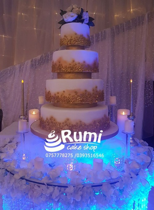 Robert and Agella's magnificent wedding cake by Rumi Cake Shop