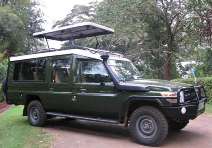 Landcruiser 8 seater for Self-drive hire