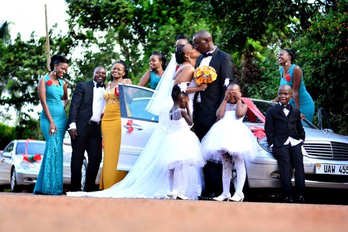 Street wedding photography by Hamuza Karizma Kaweesi