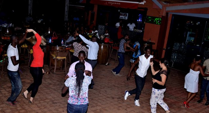 Night coupled dance lessons with LRhythm