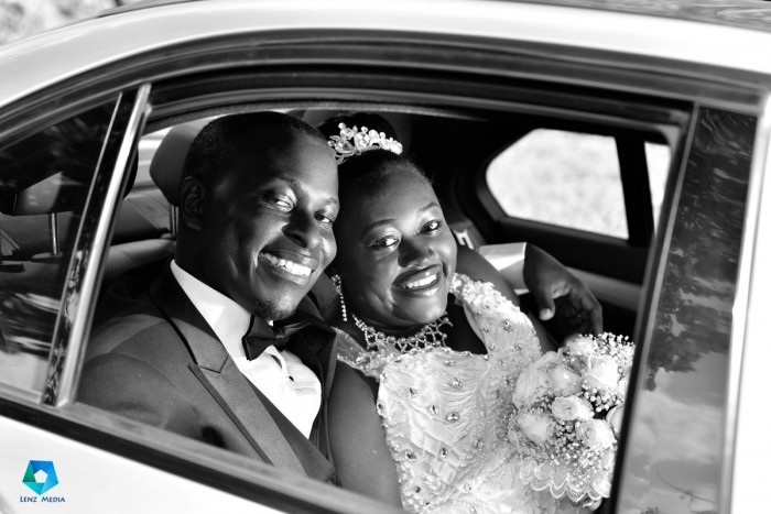 Black and white wedding photography by Lenz Media