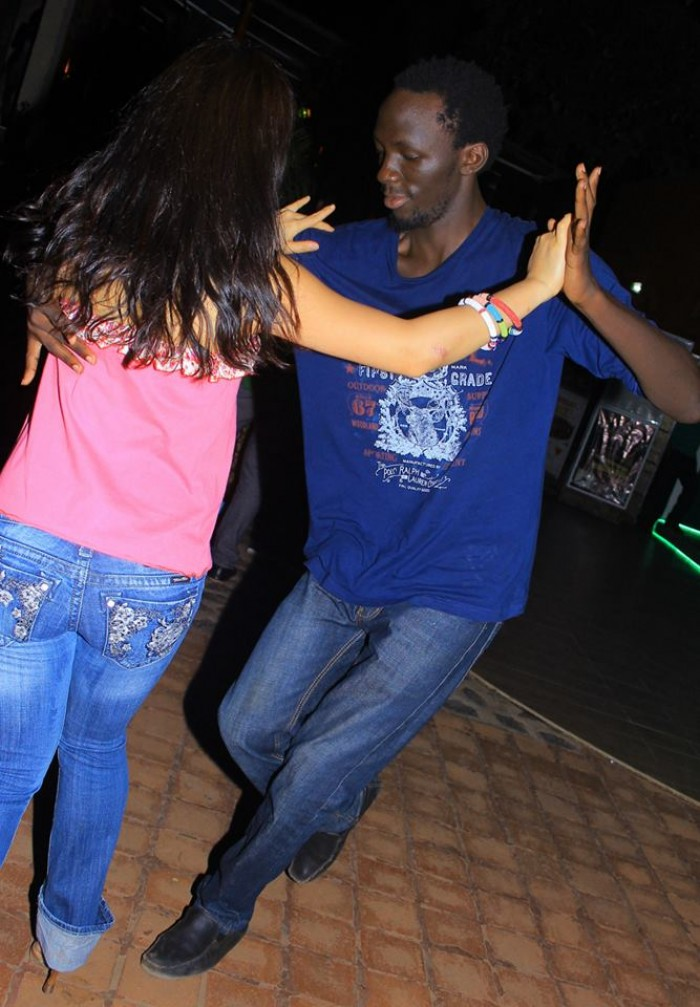 salsa dance lessons with LRhythm