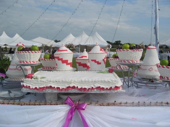 A wedding cake by TEM Fashion WEAR
