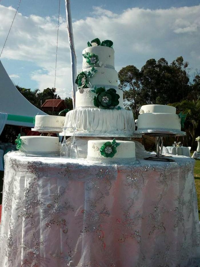 Nice wedding cake supplied by Danse Pastries Uganda