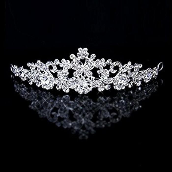 A simple nice tiara from Bride to be