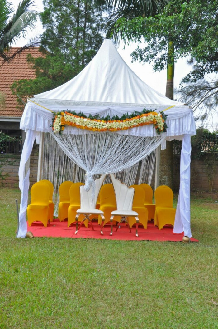 A simple gazebo set up by Moze Decoration World
