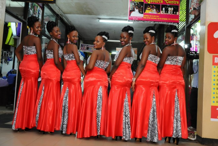 A beautiful team of bridesmaids dressed by Visma Resource Center
