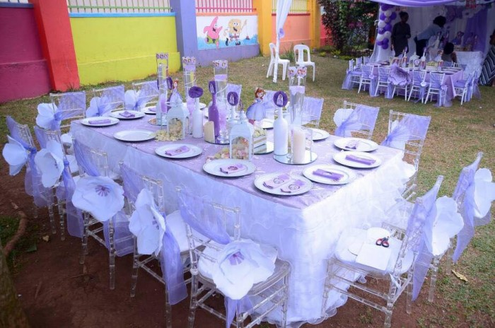 Simple kids party decorations by Lega Events