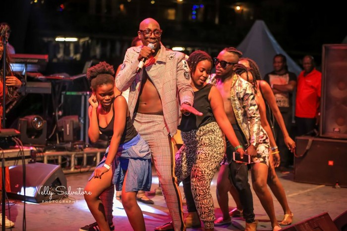 Sautisol performance Blankets & Wines captured by Nelly Salvatore Photography