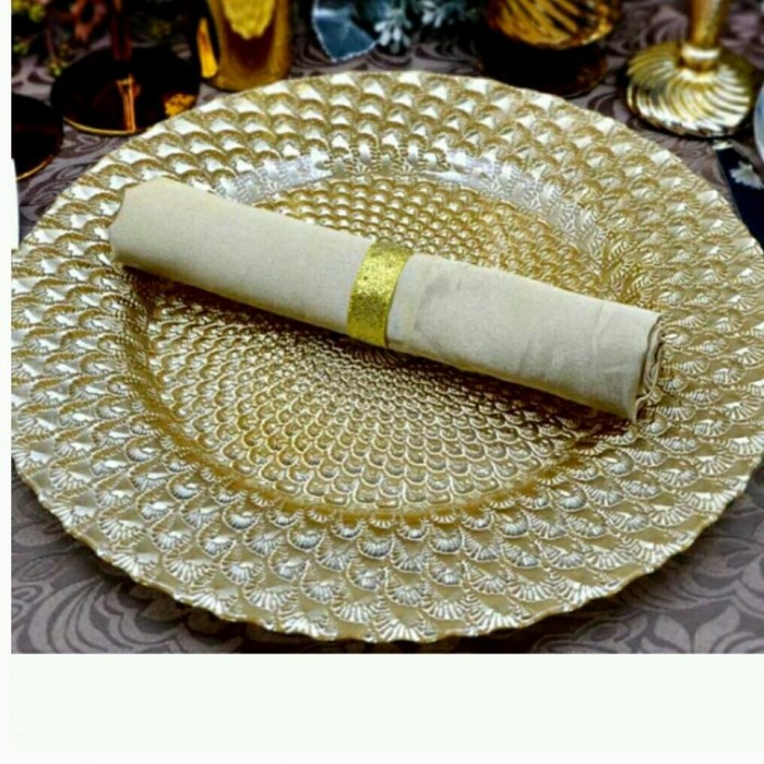 Golden charger plate and Napkin