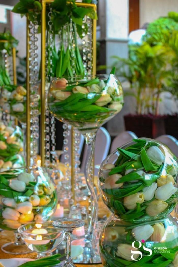 White and Gold birthday decor by Giselda Sensation