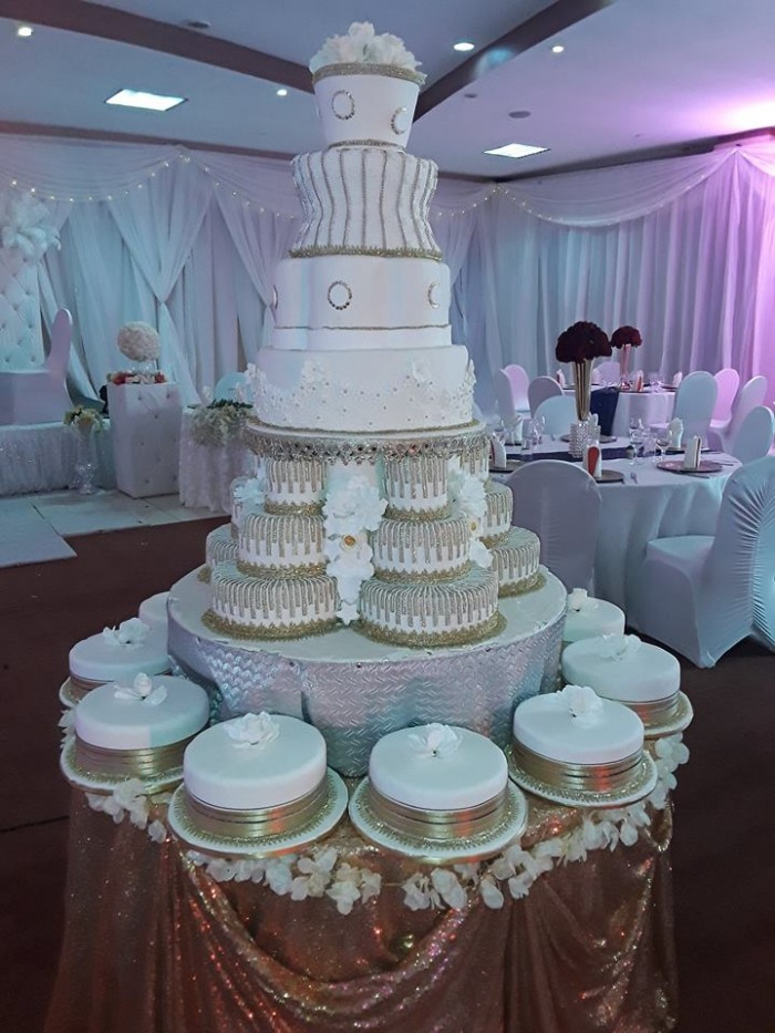A wedding cake at Silver Springs Hotel