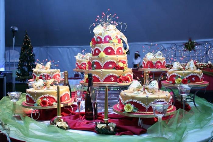 A wonderful cake supplied by TEM Fashion WEAR