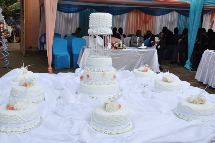 Beautiful wedding cake from Jari Events & Confectionary