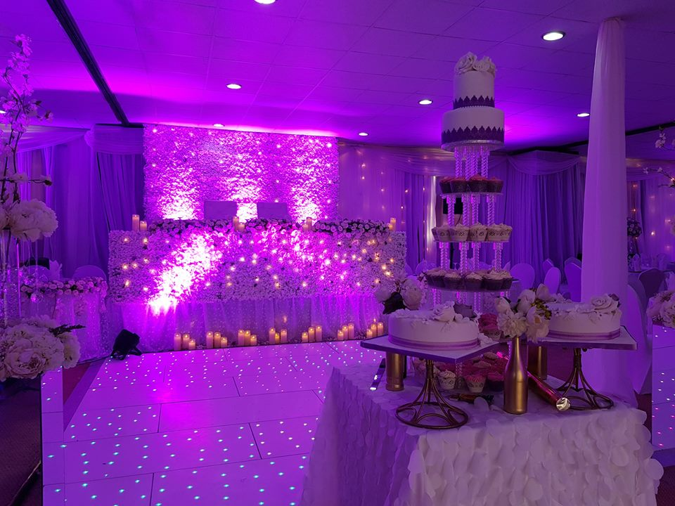 A wedding cake at Rivonia Suites