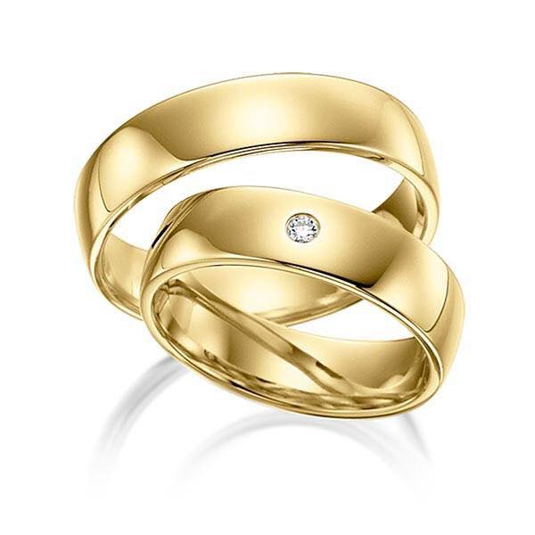 A gold pair of wedding rings from Ahmed Jeweller and Diamond Shop