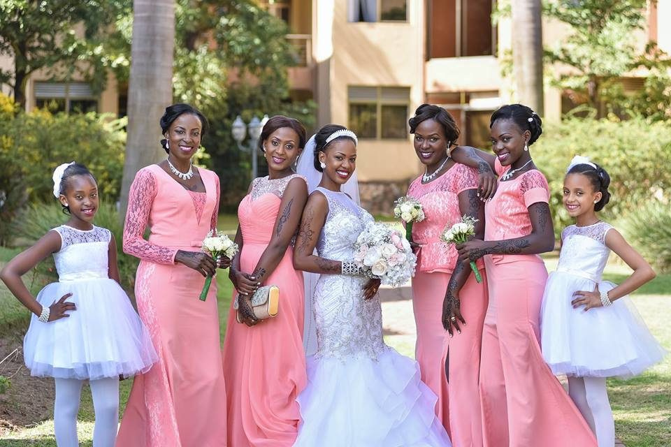 Phiona and her bridal etourage from their wedding with Marcus as captured by Globetek Entertainment