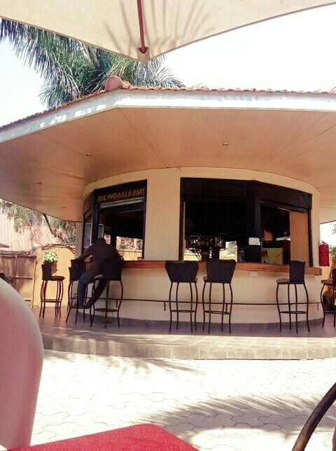 The outside bar area at Sir Jose Hotel