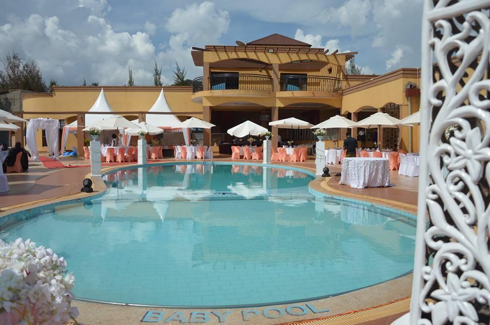 The swimming pool at Nican Resort